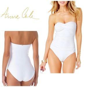 Anne Cole twist front swimsuit. NWOT